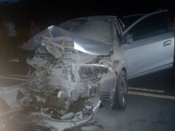 Acidente na PI 236 envolvendo dois veículos deixa dez pessoas feridas