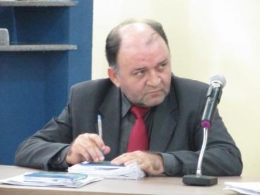 Vereador Beron Moraes explica voto contrario à realização de concurso público em Oeiras