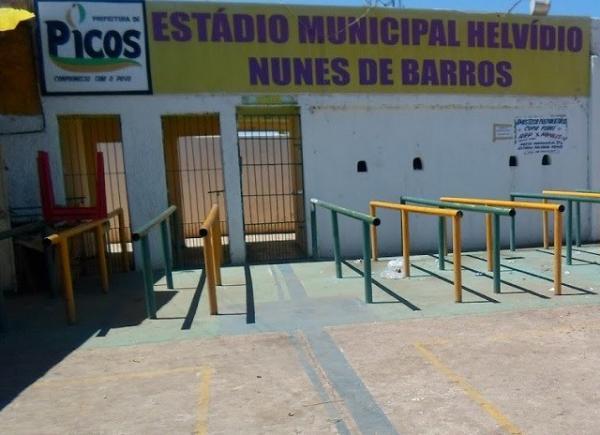 Estádio Municipal de Picos está irregular e pode ser interditado