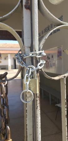 UESPI em Oeiras tem aulas suspensas e portões trancados