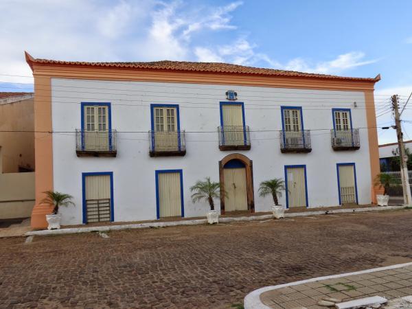 MPPI ingressa com ação de improbidade contra ex-prefeito e atual de prefeito de Oeiras por fraude e superfaturamento em aquisição de quadros acrílicos