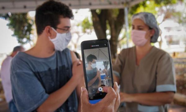 Secretários de saúde do Piauí querem aplicação de Coronavac em adolescentes