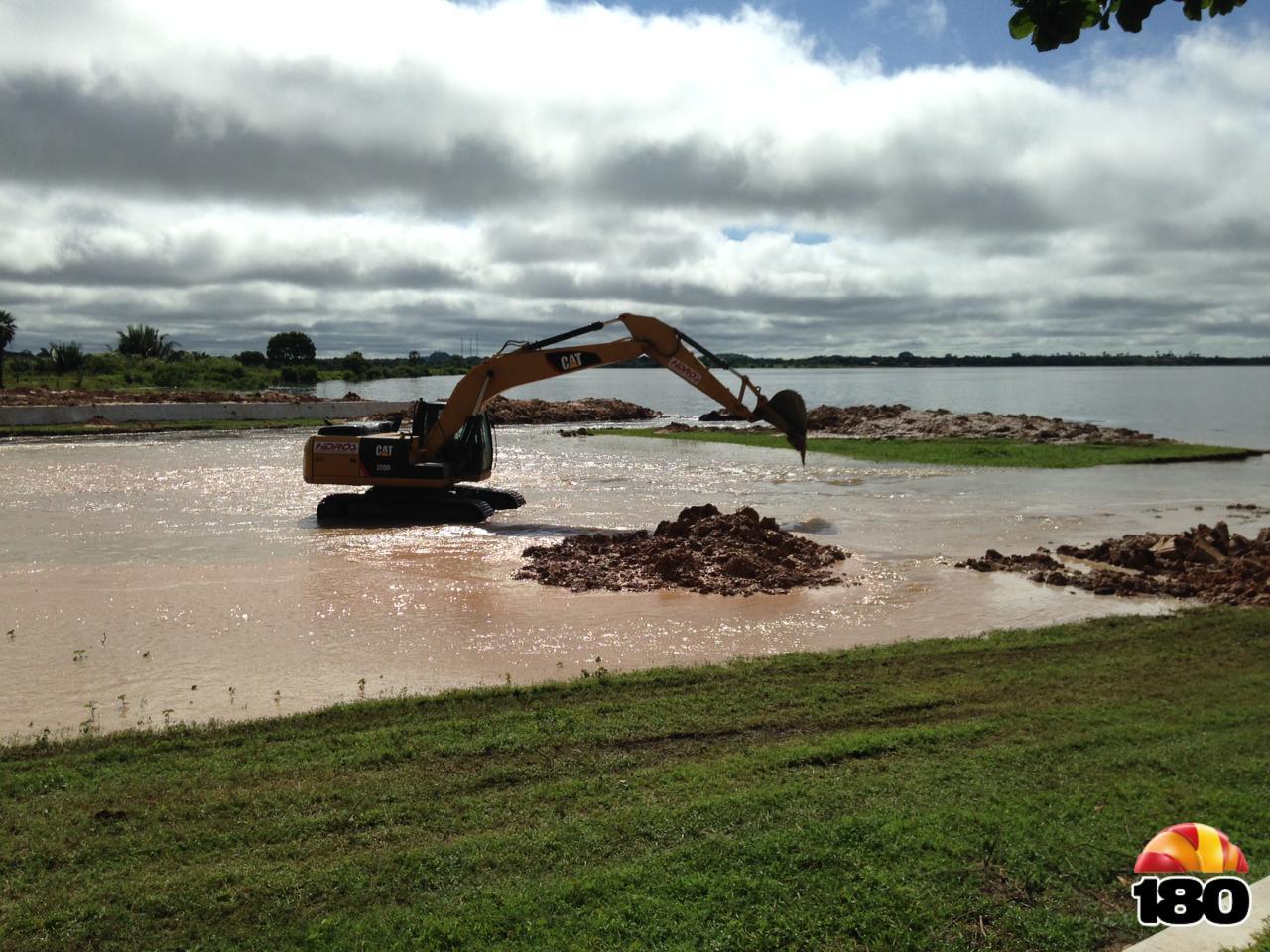 Barragem do Bezerro: famílias recusam deixar casas mesmo com risco de rompimento