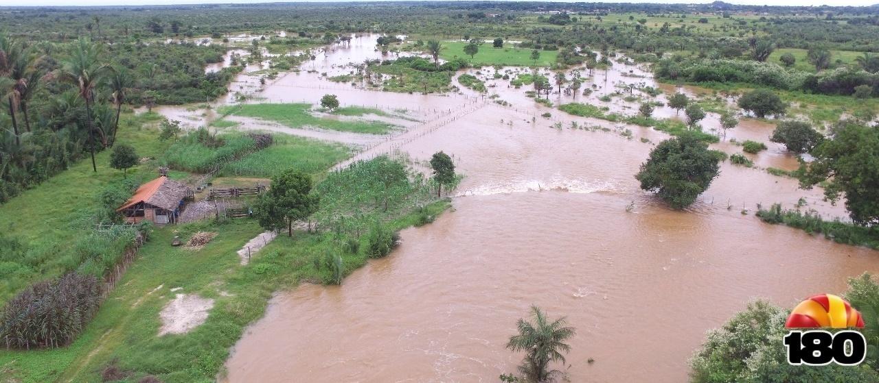 Barragem do Bezerro: bombeiros avaliam como positiva a redução do nível da água